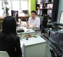 EltonLeung+TVBMoneyMag-office